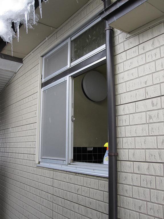 浴室の窓リフォーム