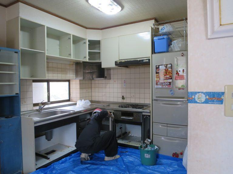2階のL型キッチン工事前