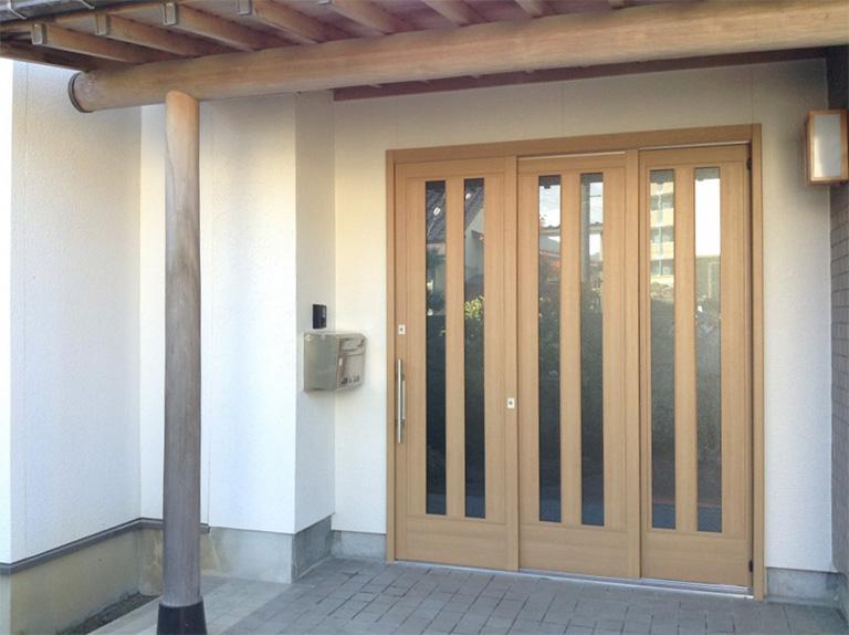 玄関戸リフォーム