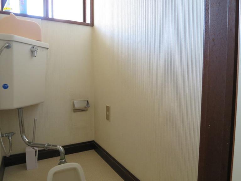 トイレの手すり工事前
