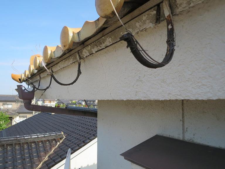 雨樋吊り金具の錆
