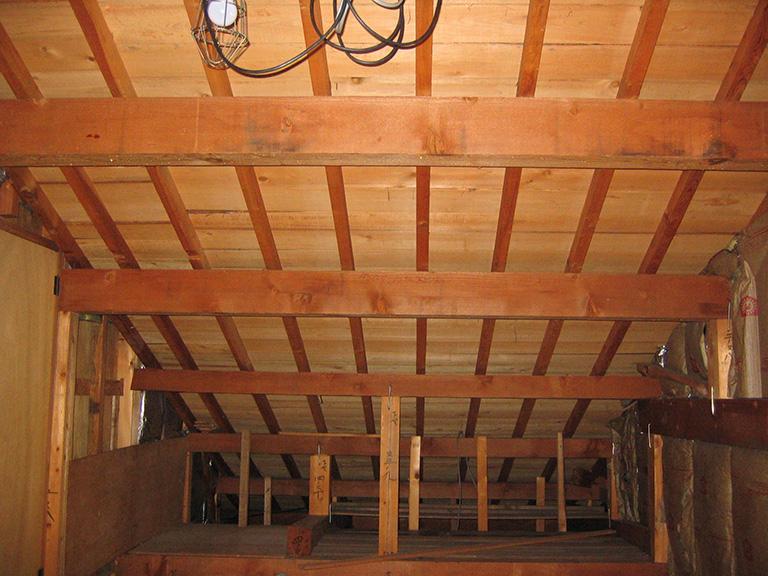 屋根裏収納リフォーム