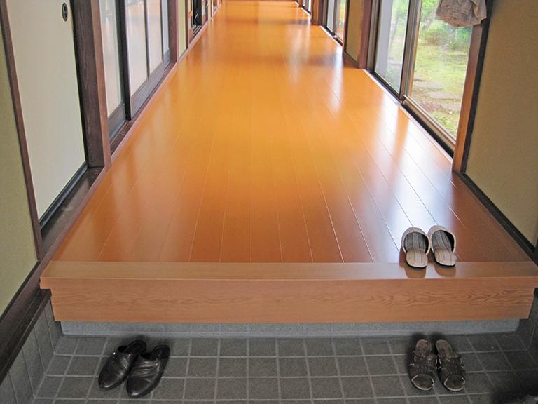 床板の重ね張り工事
