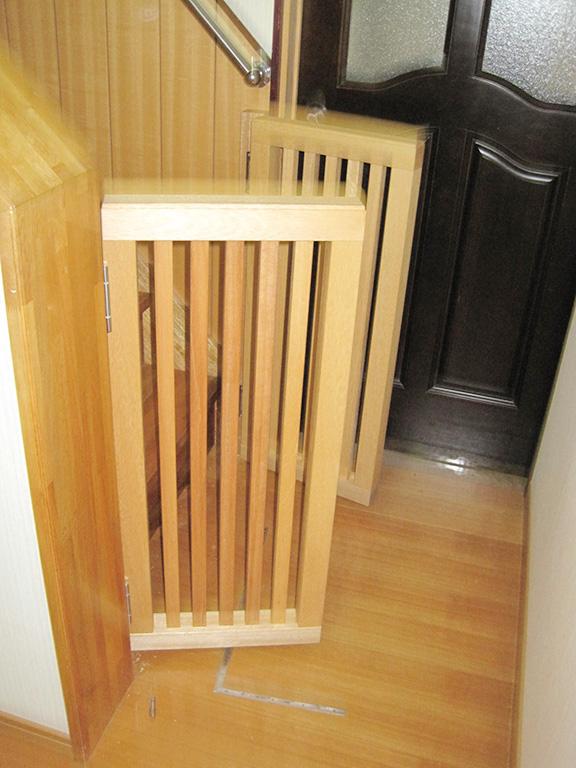 階段の転落防止柵取り付け工事