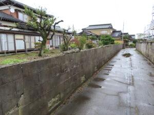 揺れるブロック塀撤去